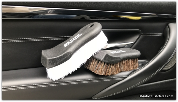 brushes to clean leather car seat safely