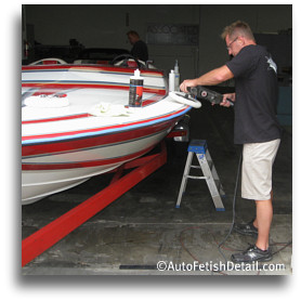 darren polishing boat