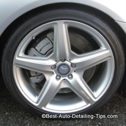 mercedes wheel cleaning
