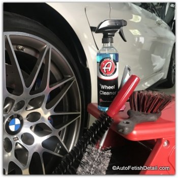 cleaning car wheels