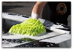 washing car with chenille wash mitt