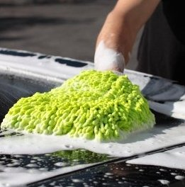 washing car with meguiars ultimate car wash